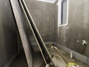 悦城花园一期 5室2厅 174.4㎡ 毛坯_悦城花园一期二手房卫生间图片12