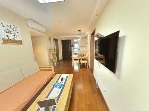 万科时代广场 2室1厅 67㎡ 整租_万科时代广场租房客厅图片4