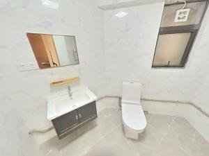 南海中心 3室2厅 97㎡ 整租_南海中心租房卫生间图片12