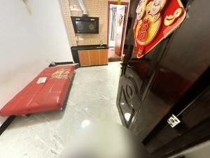南塘商业广场B区 1室1厅 88.37㎡ 整租_南塘商业广场B区租房客厅图片2