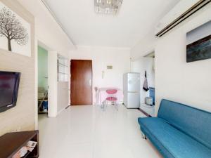 城市东座公寓 2室1厅 49.3㎡ 精装_城市东座公寓二手房客厅图片2
