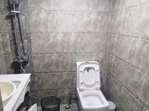 港澳8号 2室1厅 67㎡ 整租_港澳8号租房卫生间图片11