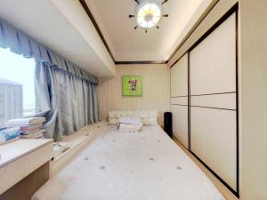 佳兆业前海广场 2室2厅 77.14㎡ 精装_佳兆业前海广场二手房卧室图片6
